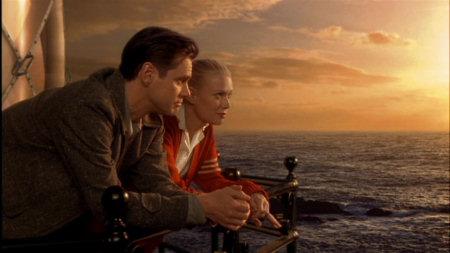 Peter und Adele: zweisamst schauen sie in das güldene Abendlicht. | Quelle: The Majestic DVD / Warner