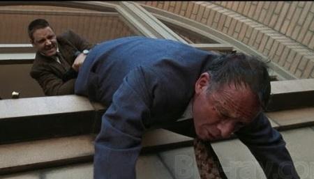 Bud White (Russel Crowe, oben) geht bei seinen Ermittlungen nicht zimperlich vor. | Quelle: L.A. Confidential / Warner Bros.