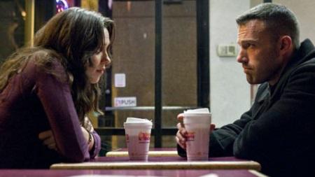 Zwischen Claire und Doug liegt ein schweres Geheimnis. | Quelle: The Town / Warner