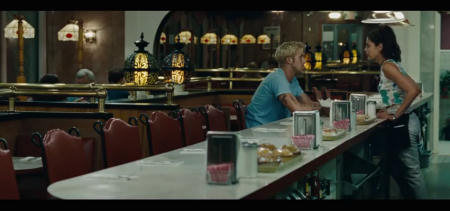 """Luke und Robin haben viel Gesprächsbedarf.   Quelle: """"The Place Beyond the Pines"""" Trailer / Studiocanal"""